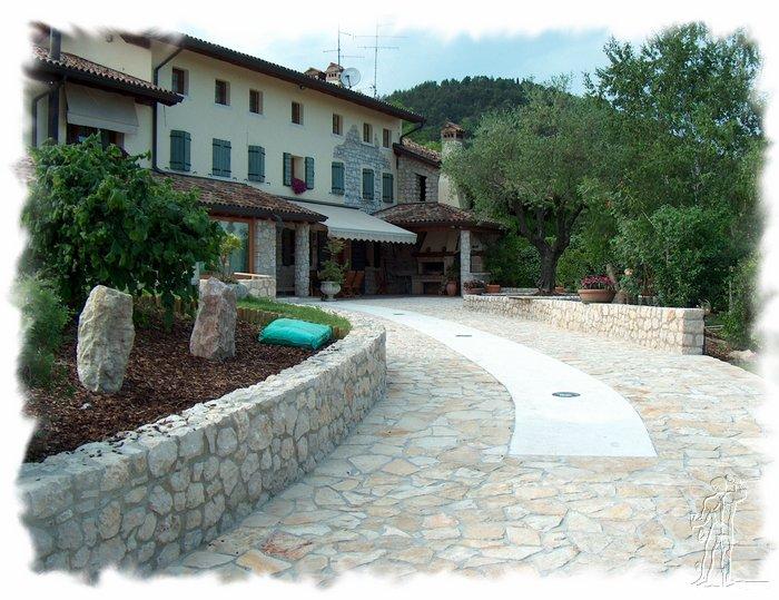 Massicciate opere fluviali dissesto idrogeologico - Pavimento per giardino ...